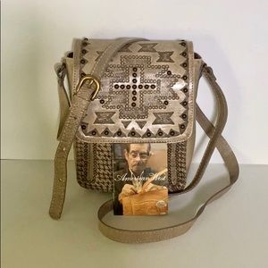 NWT American West handbag sand color, 4 pockets